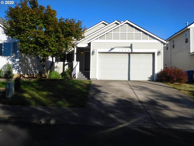 19264 Wellesley Ave, Sandy, OR 97055 (MLS #20372180) :: Real Tour Property Group