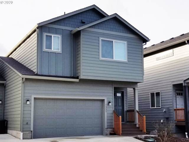 1225 SE Windsong Dr, Cascade Locks, OR 97014 (MLS #20375367) :: Townsend Jarvis Group Real Estate