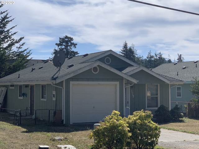 375 Nineteenth, Port Orford, OR 97465 (MLS #20375740) :: Gustavo Group