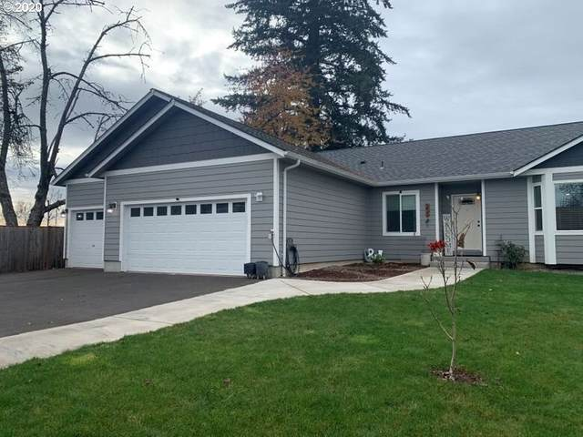207 S 10TH St, Creswell, OR 97426 (MLS #20380748) :: Fox Real Estate Group
