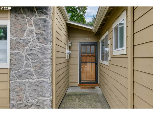 162 SE 73RD Ave, Portland, OR 97215 (MLS #20385977) :: Coho Realty