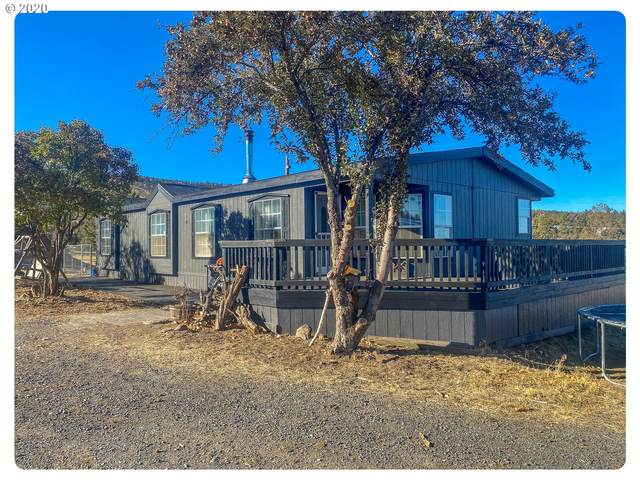 1747 SE Highland Rd, Prineville, OR 97754 (MLS #20387419) :: Premiere Property Group LLC