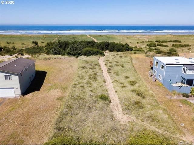 32009 G St, Ocean Park, WA 98640 (MLS #20393659) :: Song Real Estate