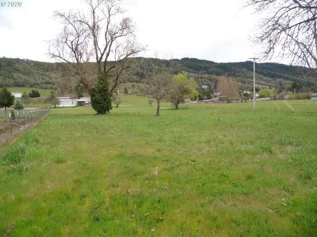 198 Rust Ln, Myrtle Creek, OR 97457 (MLS #20397236) :: Song Real Estate