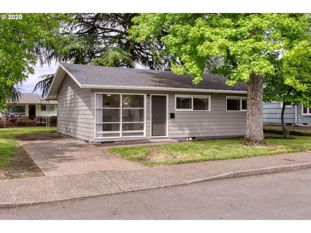8843 SE Rural St, Portland, OR 97266 (MLS #20397405) :: The Liu Group