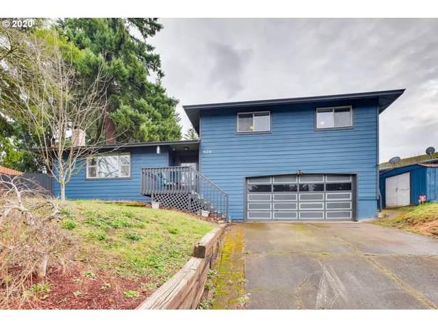 924 NE Edgehill Dr, Estacada, OR 97023 (MLS #20405386) :: Next Home Realty Connection