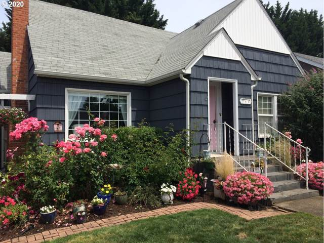 384 W Lilburn Ave, Roseburg, OR 97470 (MLS #20407622) :: Townsend Jarvis Group Real Estate