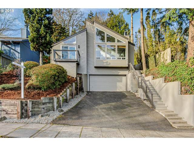 7739 SW 10TH Ave, Portland, OR 97219 (MLS #20408117) :: Fox Real Estate Group