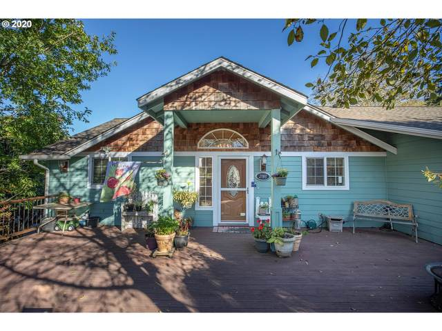 2195 Sherman Ave, North Bend, OR 97459 (MLS #20409066) :: Fox Real Estate Group