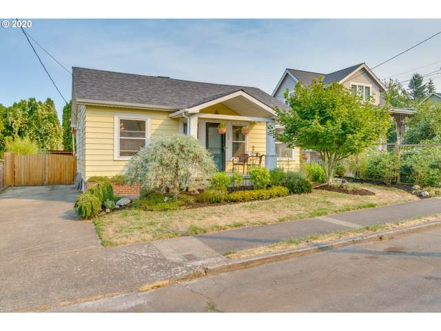 66 SE 72ND Ave, Portland, OR 97215 (MLS #20409181) :: Fox Real Estate Group