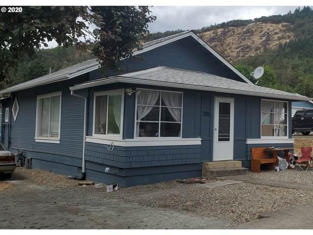 706 NE Cedar Ave, Myrtle Creek, OR 97457 (MLS #20411068) :: Cano Real Estate