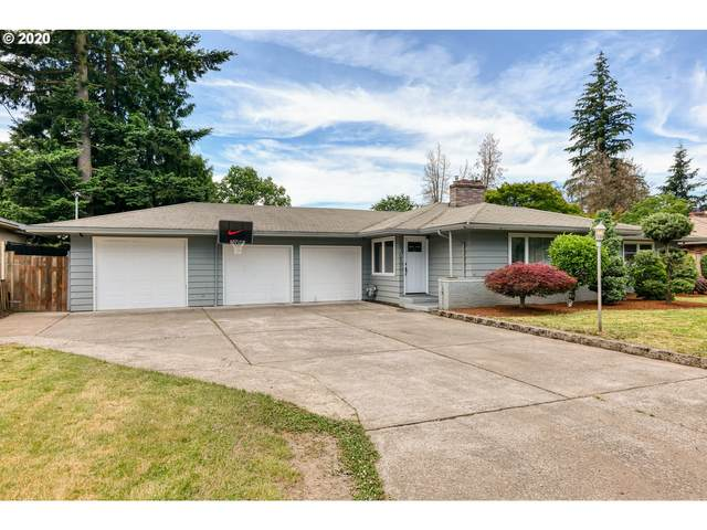 2315 SE 157TH Ave, Portland, OR 97233 (MLS #20414614) :: Fox Real Estate Group