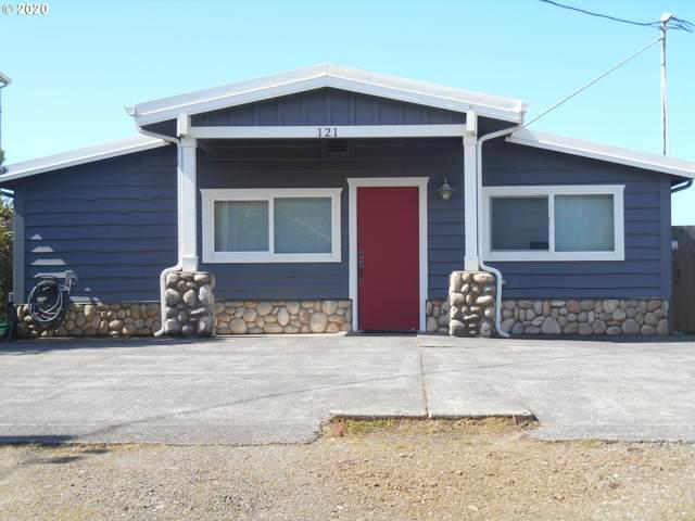 121 S Pacific, Rockaway Beach, OR 97136 (MLS #20416931) :: McKillion Real Estate Group