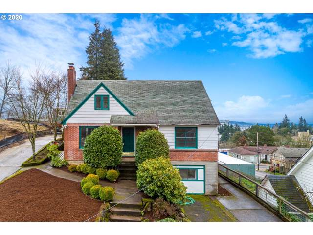 3224 SW 12TH Ave, Portland, OR 97239 (MLS #20417984) :: Fox Real Estate Group