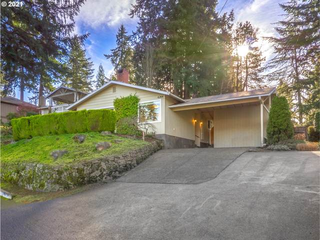 4264 West Bay Rd, Lake Oswego, OR 97035 (MLS #20430859) :: Next Home Realty Connection