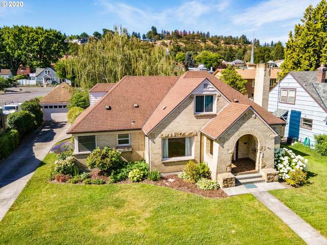 308 E 10TH St, The Dalles, OR 97058 (MLS #20436693) :: Holdhusen Real Estate Group