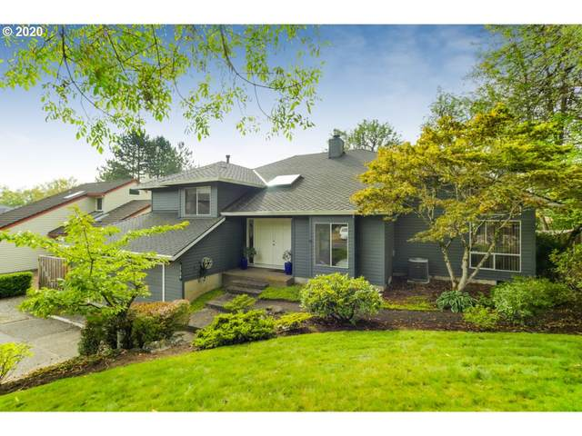 2734 SW Orchard Hill Ln, Lake Oswego, OR 97035 (MLS #20441677) :: Premiere Property Group LLC