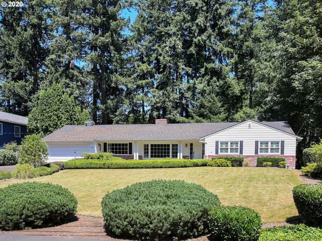2585 Dellwood Dr, Lake Oswego, OR 97034 (MLS #20445075) :: Gustavo Group
