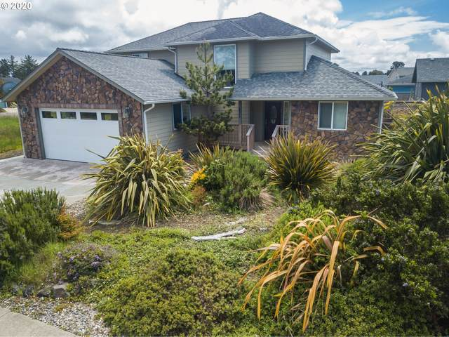 825 Carter St Sw, Bandon, OR 97411 (MLS #20446535) :: Fox Real Estate Group