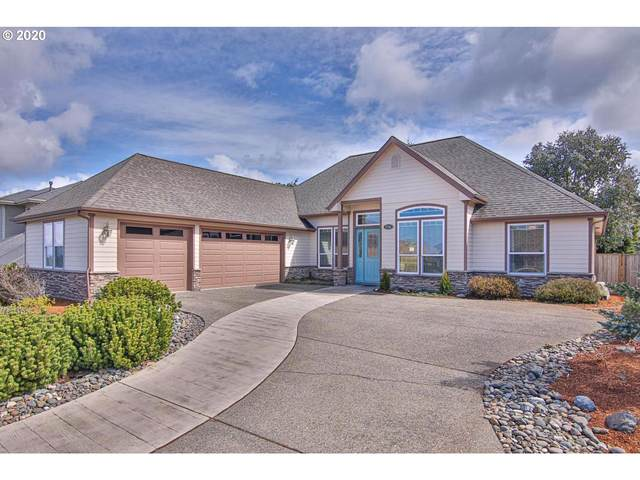 2155 Garfield St, North Bend, OR 97459 (MLS #20447573) :: Cano Real Estate