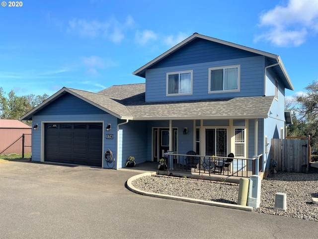 174 W Flangas Ave, Roseburg, OR 97471 (MLS #20448487) :: Fox Real Estate Group