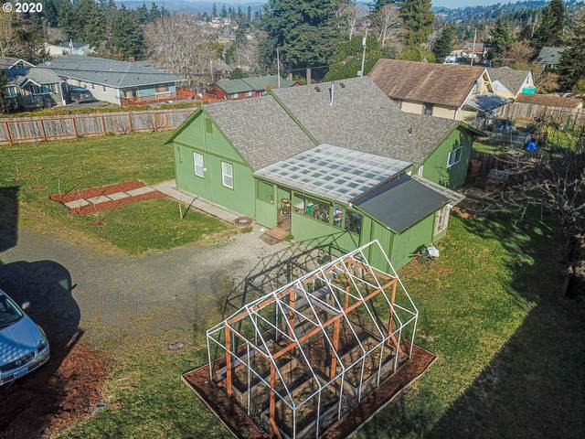 1345 California, Coos Bay, OR 97420 (MLS #20451420) :: Townsend Jarvis Group Real Estate