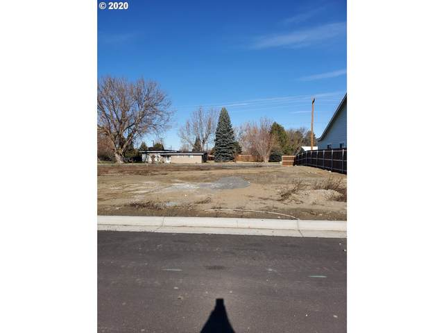 966 SW Coyote Dr, Hermiston, OR 97838 (MLS #20453015) :: Townsend Jarvis Group Real Estate
