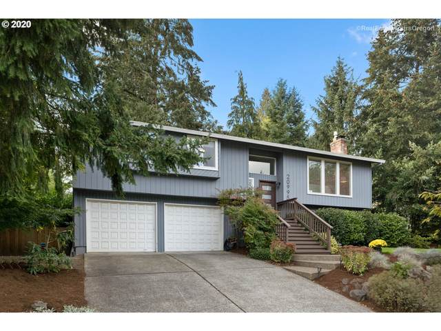20995 SW Martinazzi Ave, Tualatin, OR 97062 (MLS #20458072) :: Fox Real Estate Group