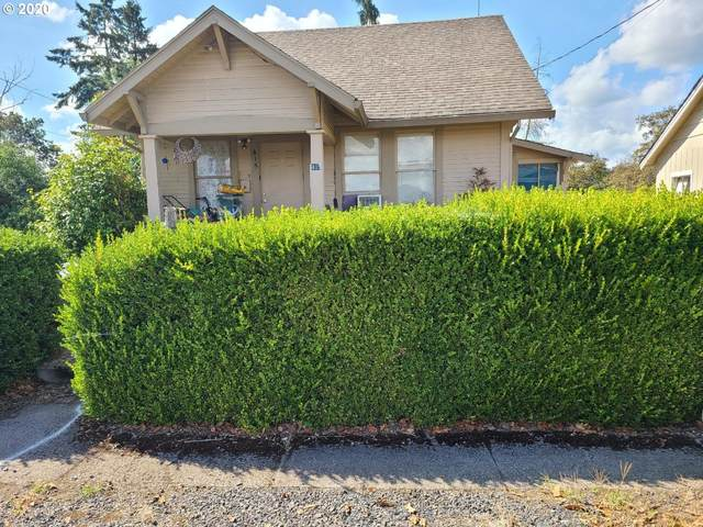 445 N 6TH St, St. Helens, OR 97051 (MLS #20462846) :: Coho Realty