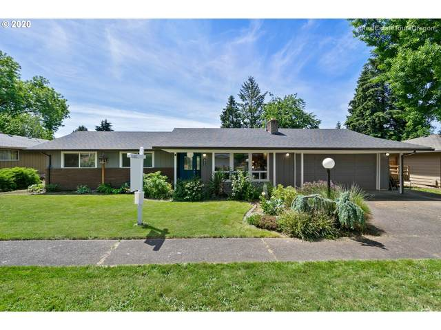 2212 E Willow Dr, Newberg, OR 97132 (MLS #20464586) :: Fox Real Estate Group