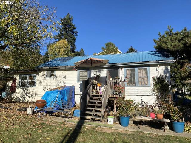420 SW Fourth Ave, Myrtle Creek, OR 97457 (MLS #20466725) :: Townsend Jarvis Group Real Estate