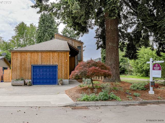 4012 SE Tenino St, Portland, OR 97202 (MLS #20466874) :: The Liu Group