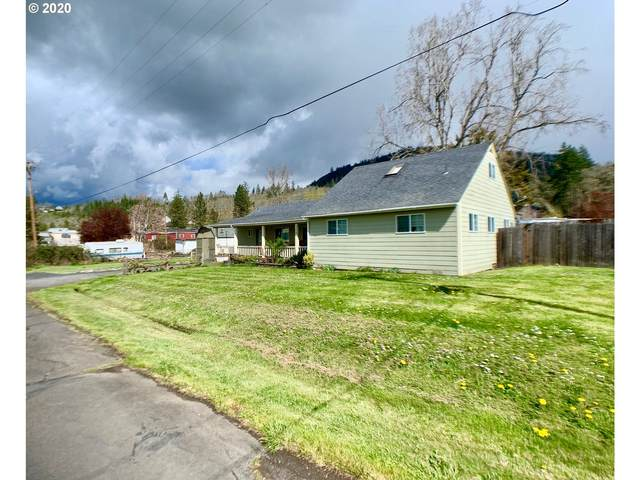 308 N Pioneer St, Lowell, OR 97452 (MLS #20472870) :: Song Real Estate