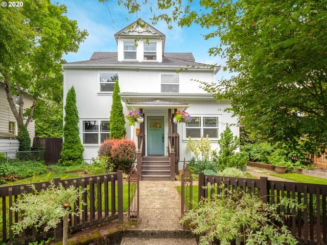 8065 SE 16TH Ave, Portland, OR 97202 (MLS #20476758) :: Fox Real Estate Group