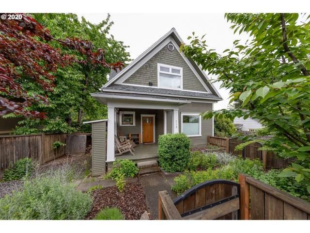 219 NE Estes Ave, White Salmon, WA 98672 (MLS #20479377) :: McKillion Real Estate Group