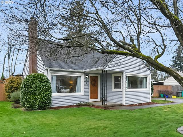 2755 SE 165TH Ave, Portland, OR 97236 (MLS #20479400) :: Lux Properties