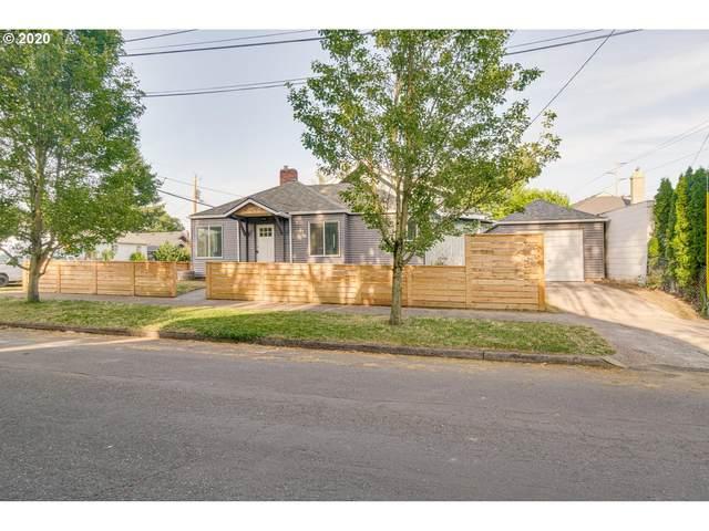 4454 SE 12TH Ave, Portland, OR 97202 (MLS #20486045) :: Holdhusen Real Estate Group