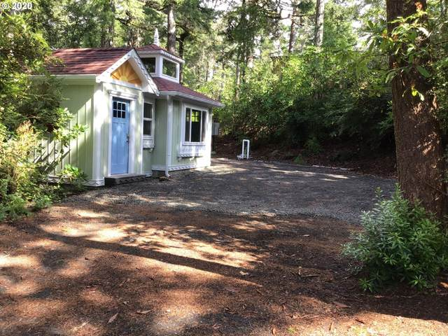 57 Outer Dr, Florence, OR 97439 (MLS #20487203) :: Song Real Estate