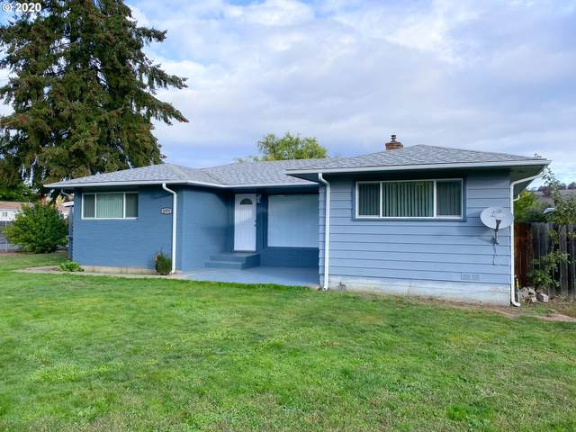 2372 Castle Ave, Roseburg, OR 97471 (MLS #20492677) :: Townsend Jarvis Group Real Estate