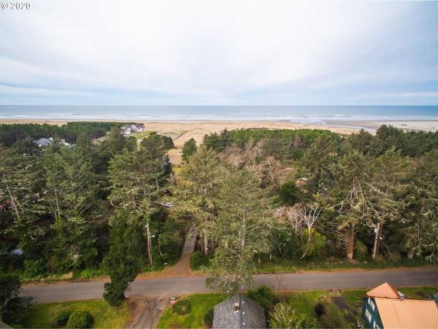 25715 Park Ave, Ocean Park, WA 98640 (MLS #20495306) :: Song Real Estate