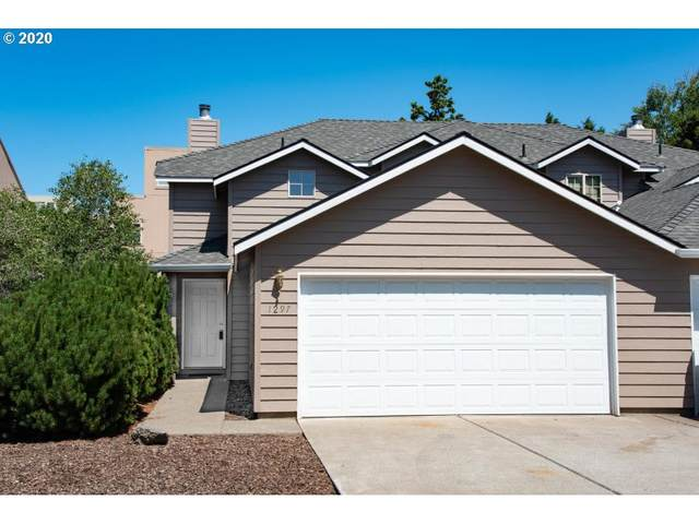 1297 NE Purcell Blvd, Bend, OR 97701 (MLS #20498869) :: Gustavo Group