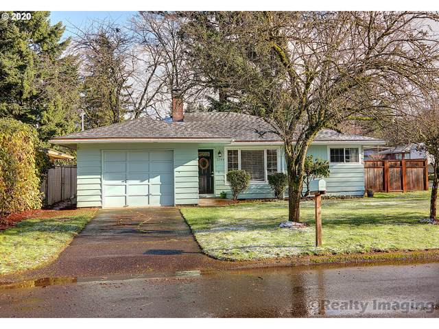 2744 SE 168TH Ave, Portland, OR 97236 (MLS #20501752) :: Townsend Jarvis Group Real Estate