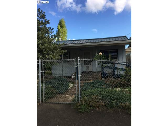 555 E Water St, Lafayette, OR 97127 (MLS #20505783) :: Holdhusen Real Estate Group