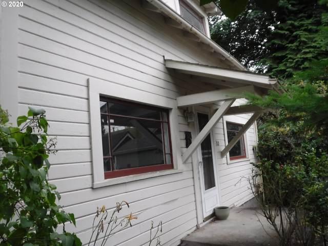 210 Washington St, Oregon City, OR 97045 (MLS #20510002) :: McKillion Real Estate Group