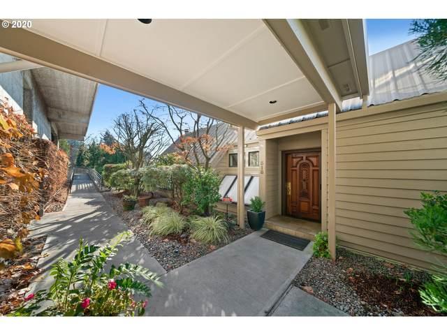 318 SE Spokane St, Portland, OR 97202 (MLS #20511090) :: Homehelper Consultants