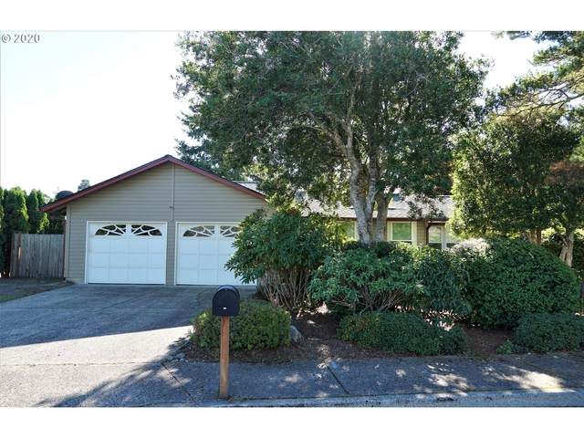 2066 40TH St, Florence, OR 97439 (MLS #20516141) :: McKillion Real Estate Group