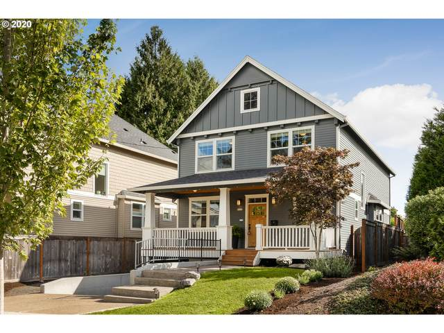 8236 SW 11TH Ave, Portland, OR 97219 (MLS #20524215) :: Duncan Real Estate Group