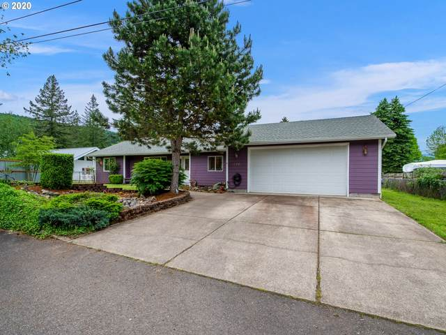 130 SW 6TH Ave, Mill City, OR 97360 (MLS #20526982) :: Fox Real Estate Group