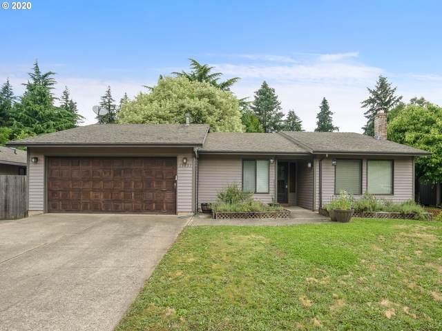 13431 SE Glenwood St, Portland, OR 97236 (MLS #20527005) :: Fox Real Estate Group