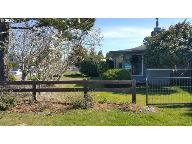 1918 17TH St, Florence, OR 97439 (MLS #20527814) :: Townsend Jarvis Group Real Estate